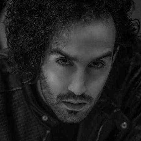 دانلود آهنگ احمد سلو به نام لعنت به اون که الان ماهته لعنت به تو زیبای بی عاطفه